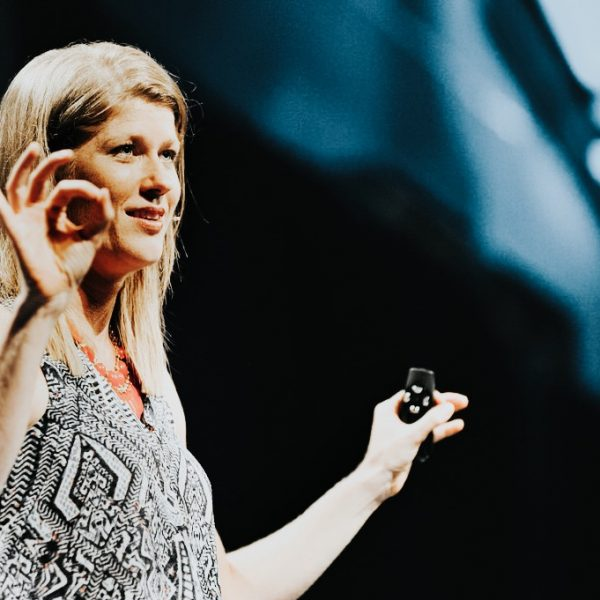 Mary Bieslki – Hands open, speaking